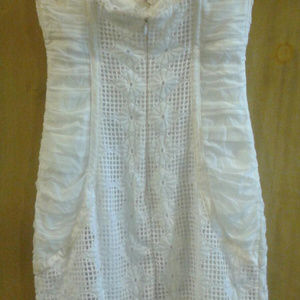 bebe Dresses - Bebe sweetheart neckline mini white lace dress
